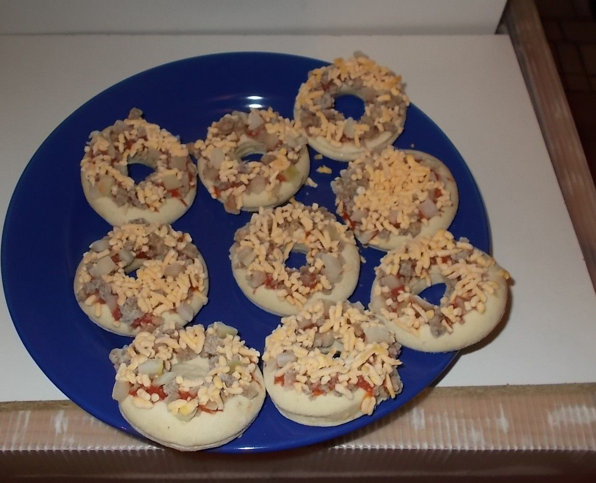 Lidl Alfredo 9 Pizza Bagels Cheeseburger Style