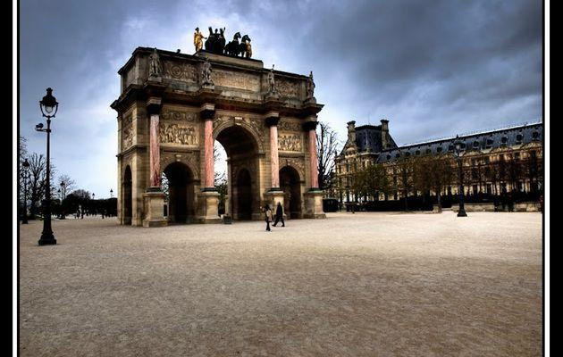 """""""Sombre Paris"""" - Arc de Triomphe des Tuileries"""