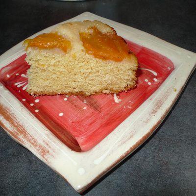 Gâteau aux abricots au calvados