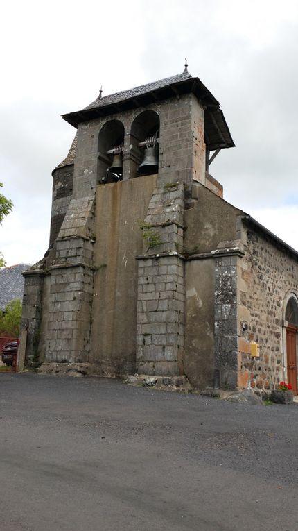 Le village de Vigouroux et son château.