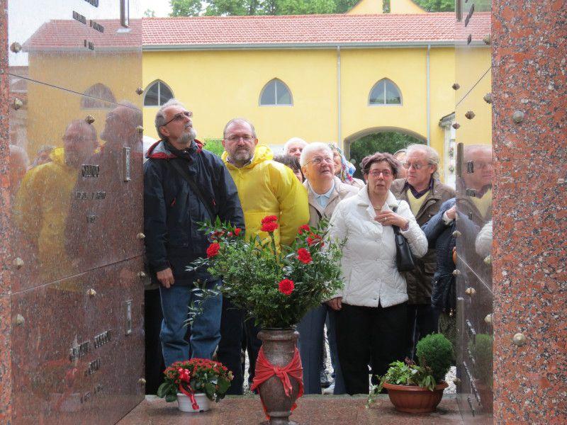 13 maggio 2012: al cimitero di Campegine e alla casa dei CERVI a Gattatico