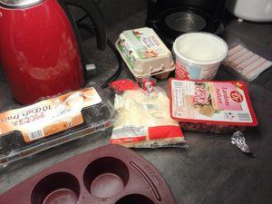 Omelette au four dans un moule à muffins