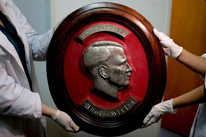 On vient de découvrir l'une des plus importantes collections d'objets nazis en Argentine