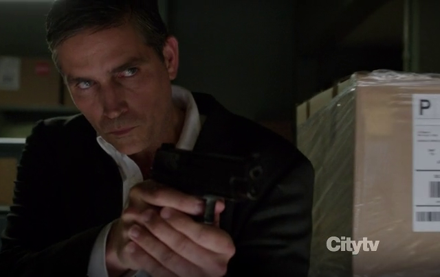 Critiques Séries : Person of Interest. Saison 2. Episode 7. Critical.