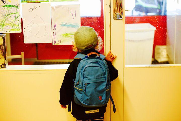 """Revue de Presse Education... """"C'est toujours chaud à propos de la maternelle, de la laïcité et de la crise sanitaire."""""""