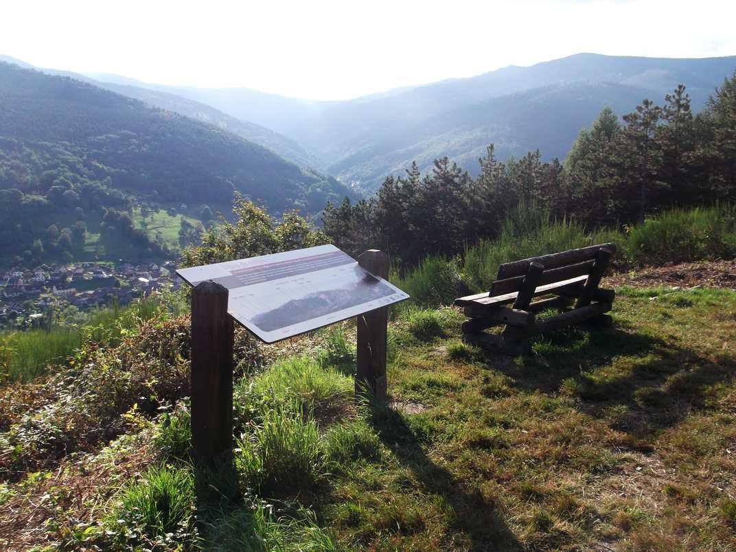 La table de lecture des sommets de la haute vallée de Guebwiller, installée au-dessus de Lautenbach.