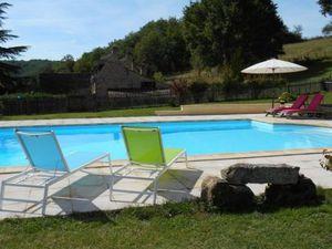 Gîte de charme en Périgord Noir avec une piscine privative