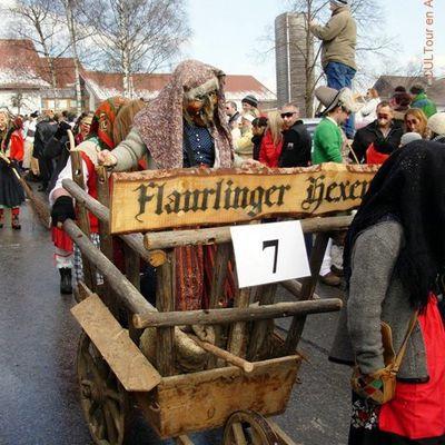 Outils dans toutes les règles de l'art pour les carnavaliers tyroliens