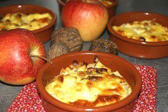 flan aux pommes, noix et raisins secs