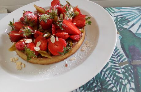 Tarte à la fraise 🍓 & à la rhubarbe