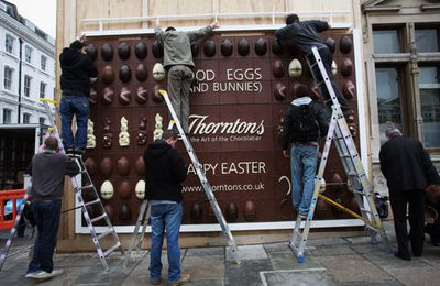 Thorntons' Wall of Chocolate: la construction