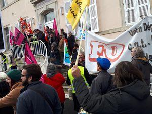 1200 manifestants au Puy le 29 janvier - On lâche rien ! Nouvelles manifestations nocturnes Jeudi et Vendredi