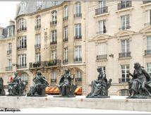 Les six continents - Esplanade du Musée d'Orsay