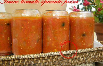 Sauce tomate spéciale pizza *olives noires, pili pili, généreuse en saveurs*