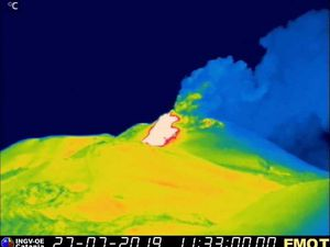 Etna NSEC - 27.07.2019 / 11h22 and 12h21 - webcam therm. Montagnola / INGV EO - a click to enlarge