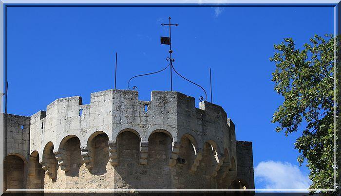 Diaporama église fortifiée de Saint Andiol