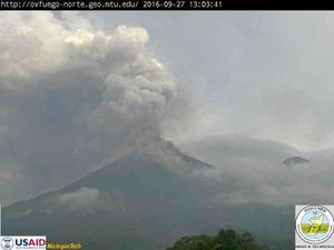 Fuego - 27/09/2016 at 13:03 & 1:46 p.m. - a click to enlarge - webcam INSIVUMEH