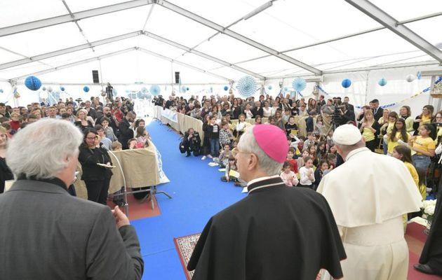Le pape donne trois signaux qui montrent qu'une paroisse « se porte bien »