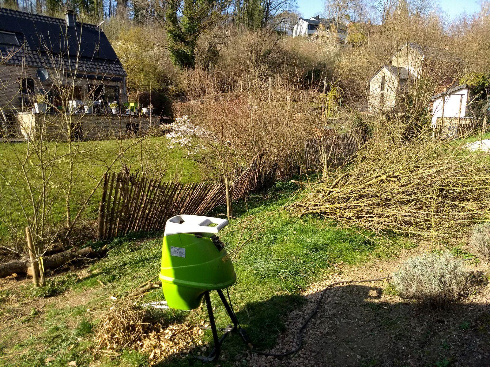 Les travaux au fond du jardin