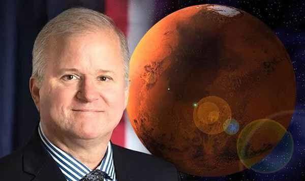 Un homme va sur MARS et y voit des milliers de cadavres extraterrestres