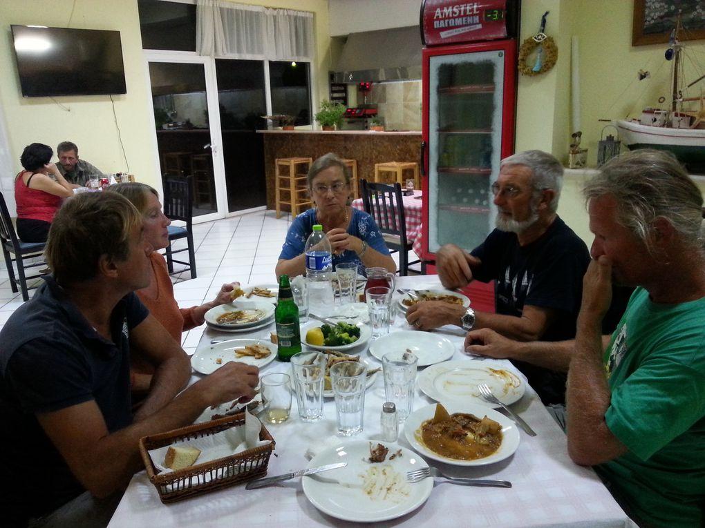 Les repas du soir  entre amis chez Takis et Christina