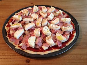 Pizza chèvre-jambon