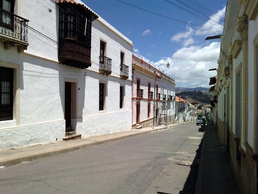 la ville de Sucre et le village de Tarabuco en Bolivie