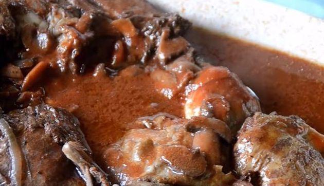 Cuisses de poulet au vin rouge : une recette cookeo