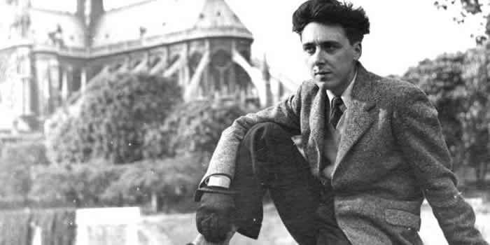 Daniel Cordier à Paris en 1945. Daniel Cordier / Ordre de la Libération