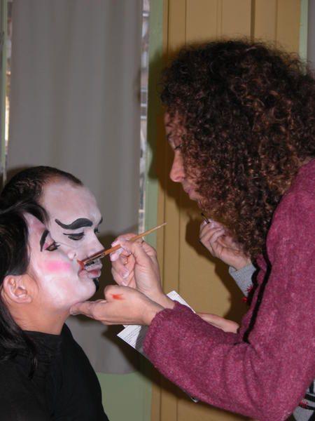 """matinée stage maquillage asiatique pour la préparation du nouvel an Chinois , avec les partenaires du projet """"Carnet de Route """" : Ecoles , Quartiers , centres aérés ,etc ... et préparation du défilé (costumes et maquillages) l"""