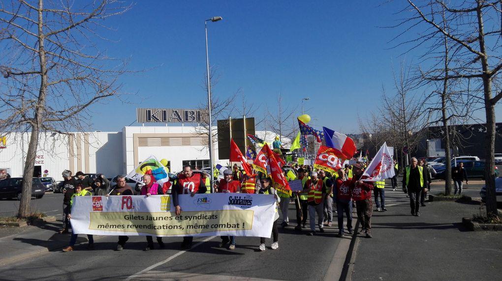Le Peuple en jaune et rouge uni dans les rues de Montluçon