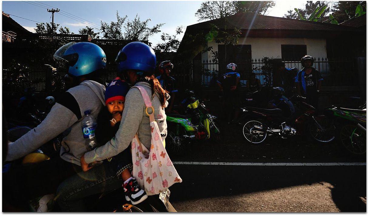 """Les Scooters """"Familiaux"""" de Bali..."""