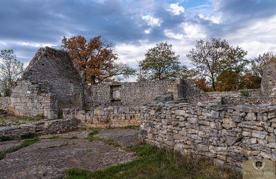 Le village abandonné de Barrières, commune de Miers dans le Lot