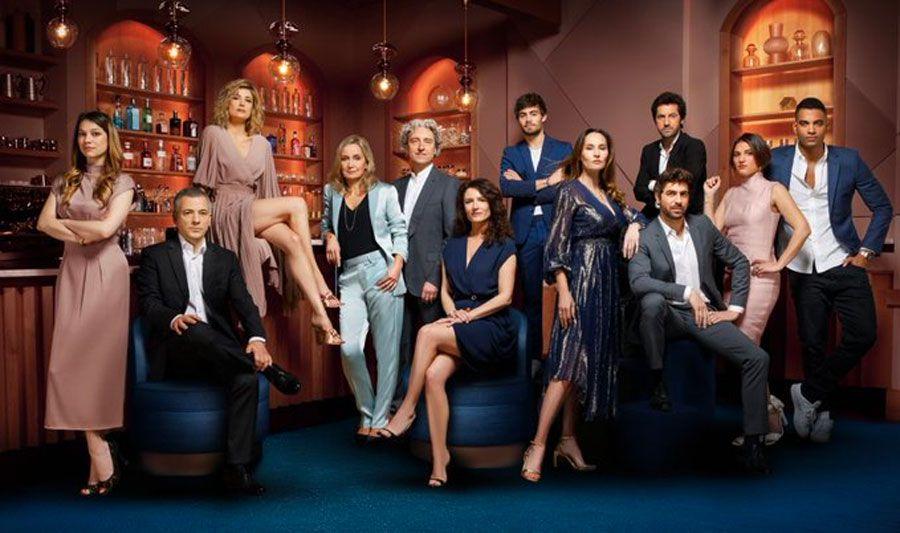 """TF1 organise une convention pour le premier anniversaire de sa série """"Ici tout commence"""""""