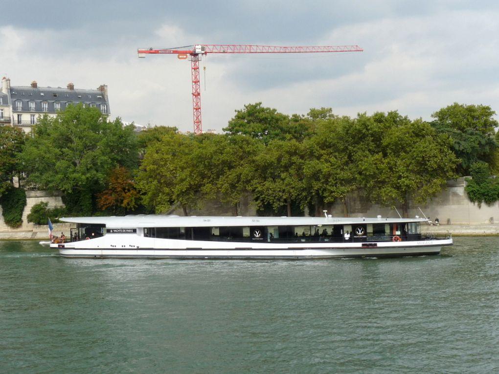 MIRAGE , sur la Seine à Paris le 22septembre 2016