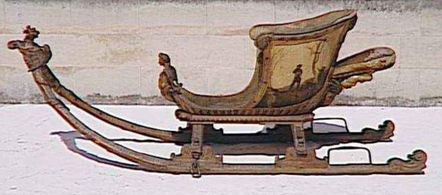 Le traîneau au patineur datant des environs de 1720. Conservé musée des carrosses Versailles