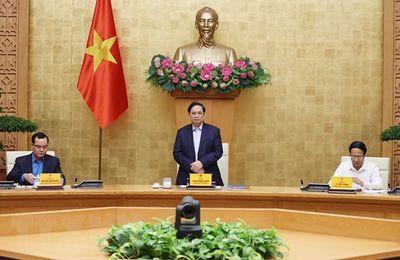 Le Premier ministre Pham Minh Chinh travaille avec la Confédération générale du travail du Vietnam