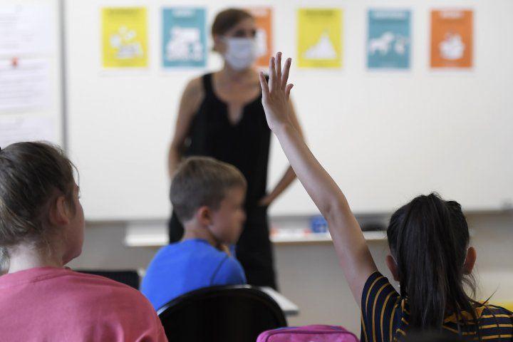 L'Éducation nationale a-t-elle distribué des masques toxiques aux enseignants ?