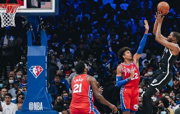 Kevin Durant éteint le Fargo Center avec un excellent triple-double