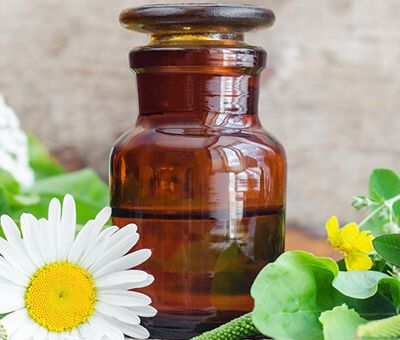 Know About the Benefits and Uses of Organic Spice Oils