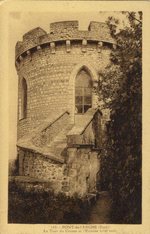 Album de 198 cartes postales de Pont-de-l'Arche et Bonport dans la première moitié du XXe siècle.