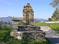 La Mure Argens  : La croix en pierre  réinstallée