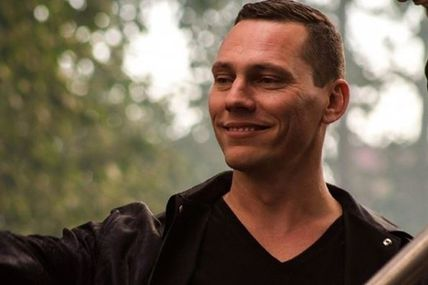 "Tiësto interview for Independent "" I feel like I've proven myself so I don't have that pressure, but I know the younger guys can be really nasty to each other """
