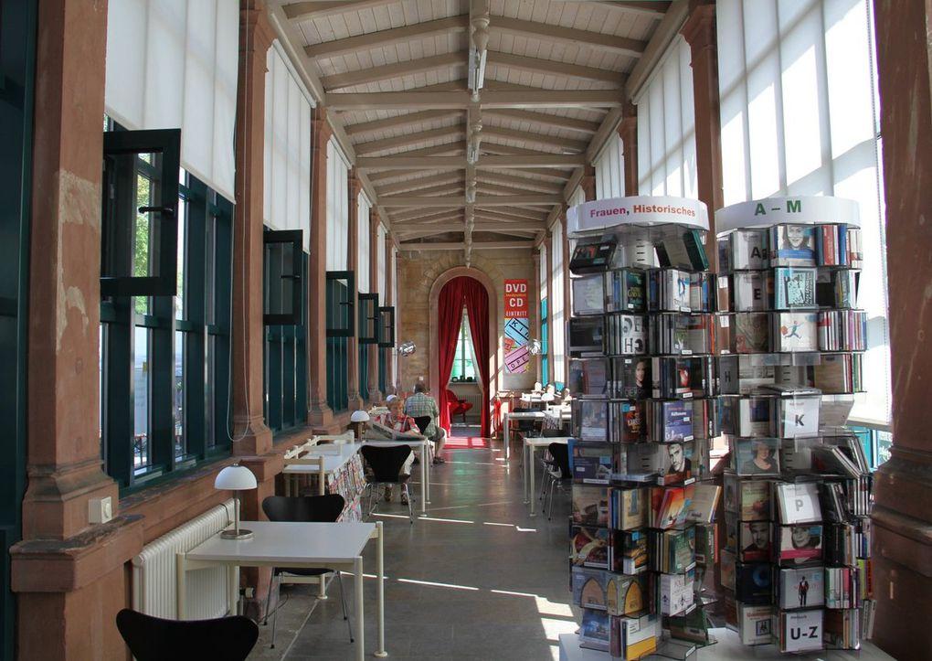 Das Lesecafé: Ein attraktiver Raum für kulturelle Veranstaltungen (Konzerte, Lesungen, Ausstellungen, Vorträge u.a.)