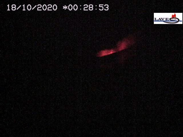 "Etna NSEC ""saddle vent"" - Strombolian activity on 10/18/2020 / 12:28 am - LAVE webcam"