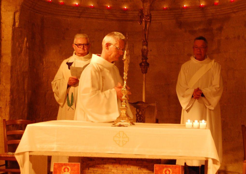 Nous prions avant l'ordination diaconale de Philippe