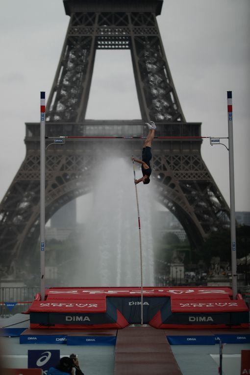 Décomposition d'un saut de Renaud Lavillenie, cliquez sur les flèches.