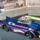 DOUBLE VISION HOT WHEELS 1/64 VOITURE FUTURISTE - car-collector.net
