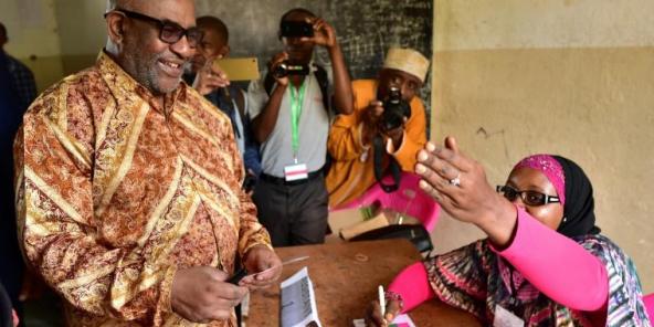 Les Comoriens approuvent à 92,74 % un référendum qui renforce les pouvoirs du président Assoumani