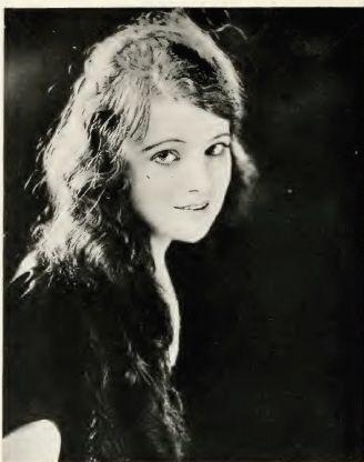Clarke Betty Ross